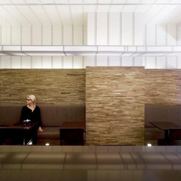 Cafe Nottingdale, em Londres, Inglaterra. Projeto do escritório Found Associates. #bar #bares #cafe #coffee #cafes #encontro #meeting #encontros #interior #interiores #artes #arts #art #arte #decor #decoração #architecturelover #architecture #arquitetura #design #projetocompartilhar #davidguerra #shareproject #nottingdale #londres #london #uk #inglaterra #england #foundassociates