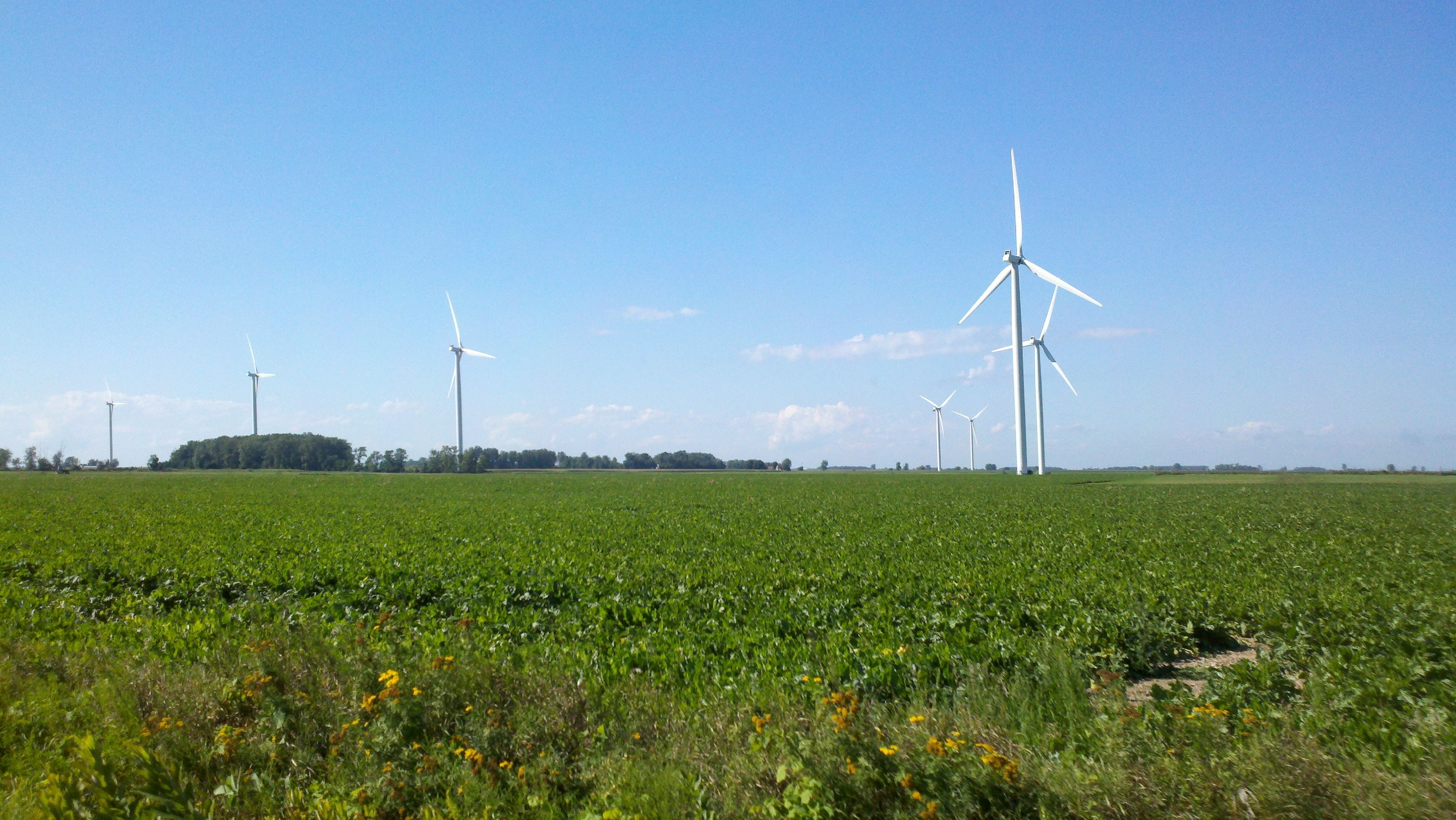 Michigan gratiot county breckenridge - Largest Wind Farm In Michigan Rises From The Cornfields In Gratiot County