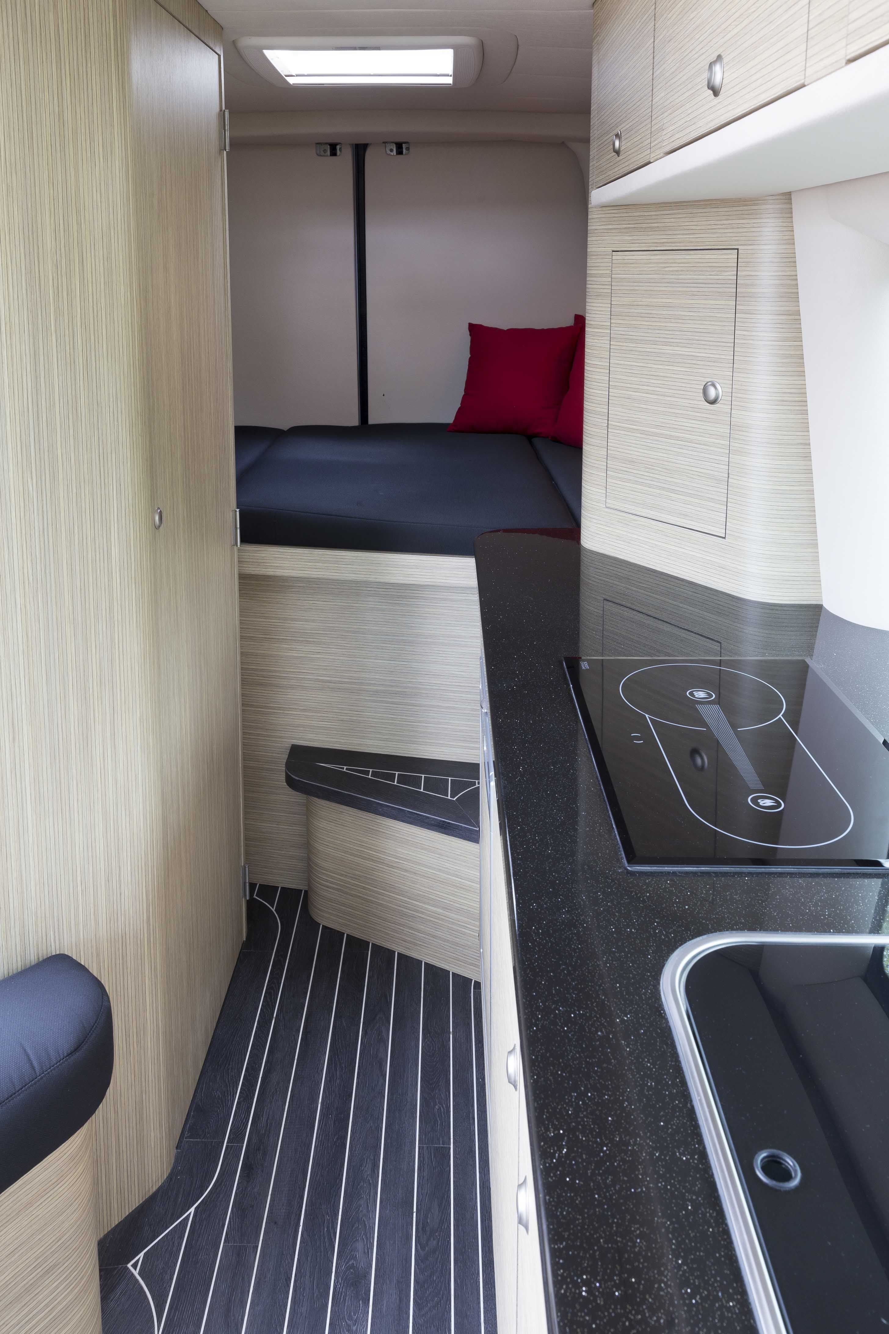 Innova Automotive Campers en Yachting – Mercedes Sprinter L2H2 ...