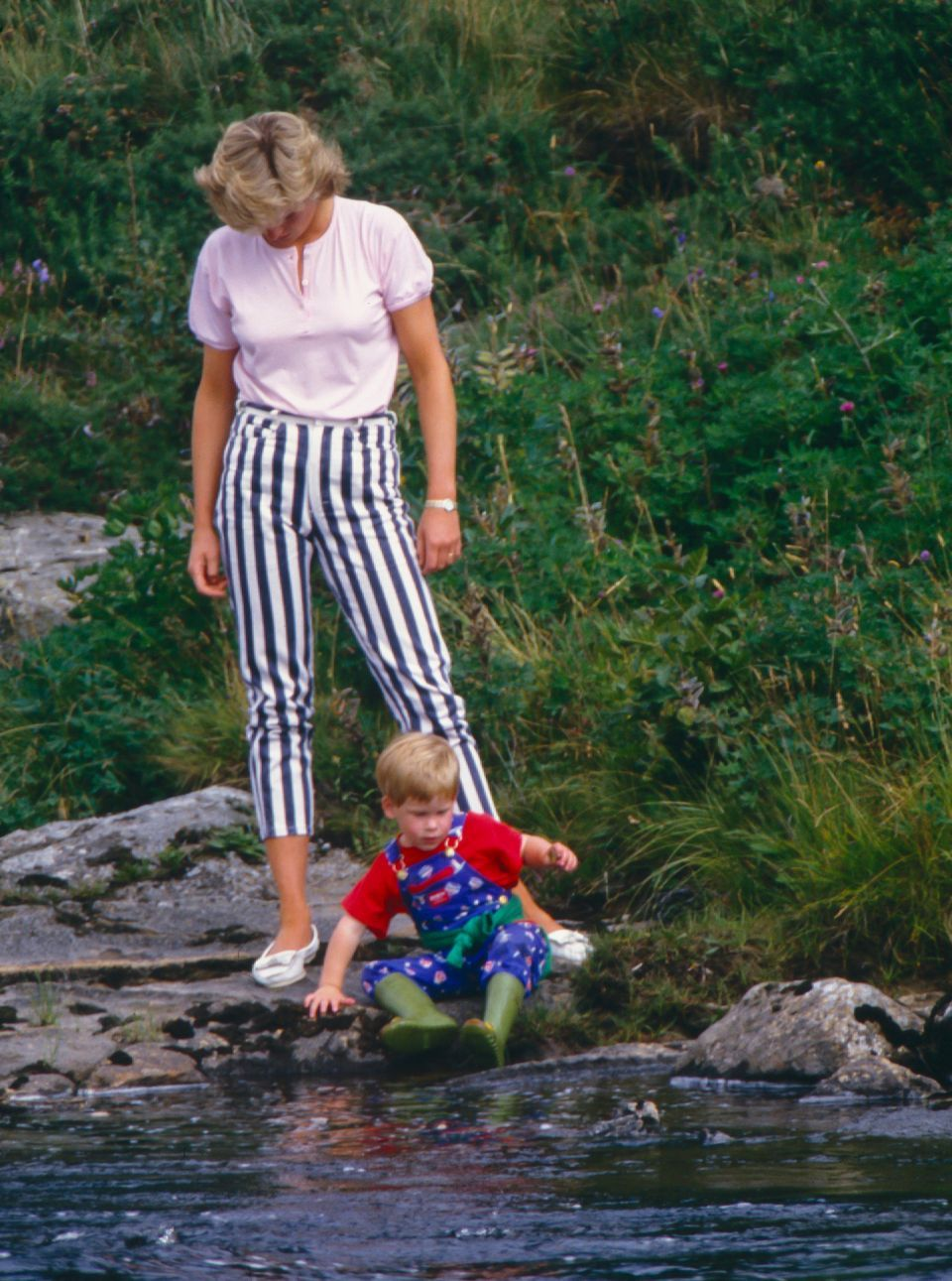 Princess Diana Was Always A Fashion Icon, As These Striking Photos Show | HuffPost Life #princessdiana