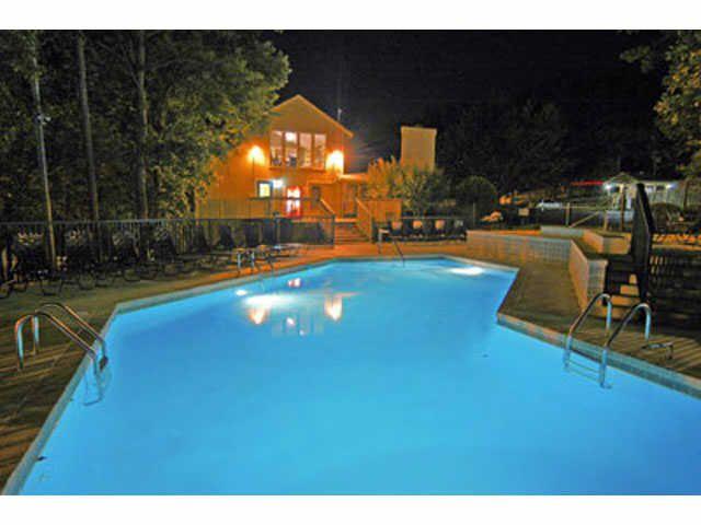 Turtle Creek Apartments Little Rock Ar Apartments Turtle Creek Night Swimming Apartment Finder