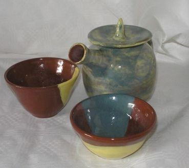 Tiere und Kunst von Herbivore11 - Teekanne und zwei Teeschalen