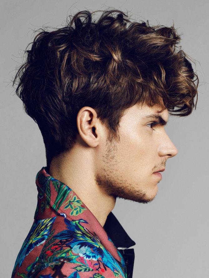 Wellige Männer Hairstyles in 2020   Haare männer, Coole