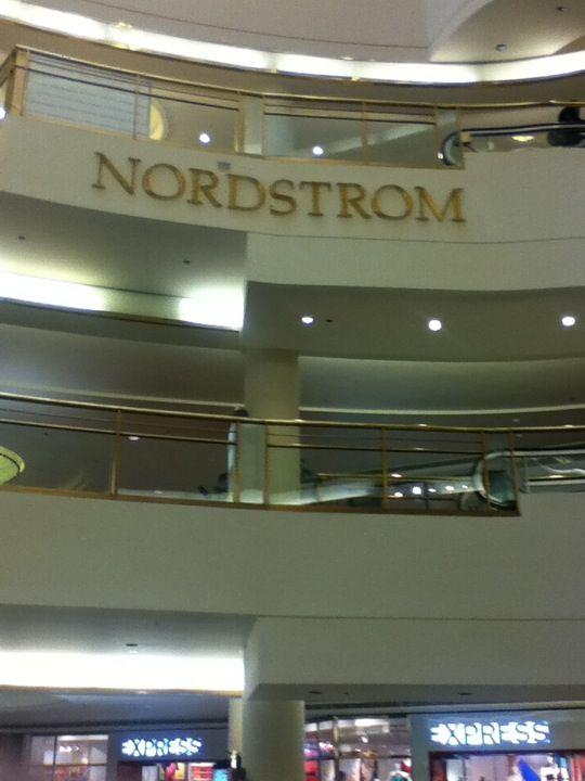 Nordstrom San Francisco Centre In San Francisco Ca Sfo