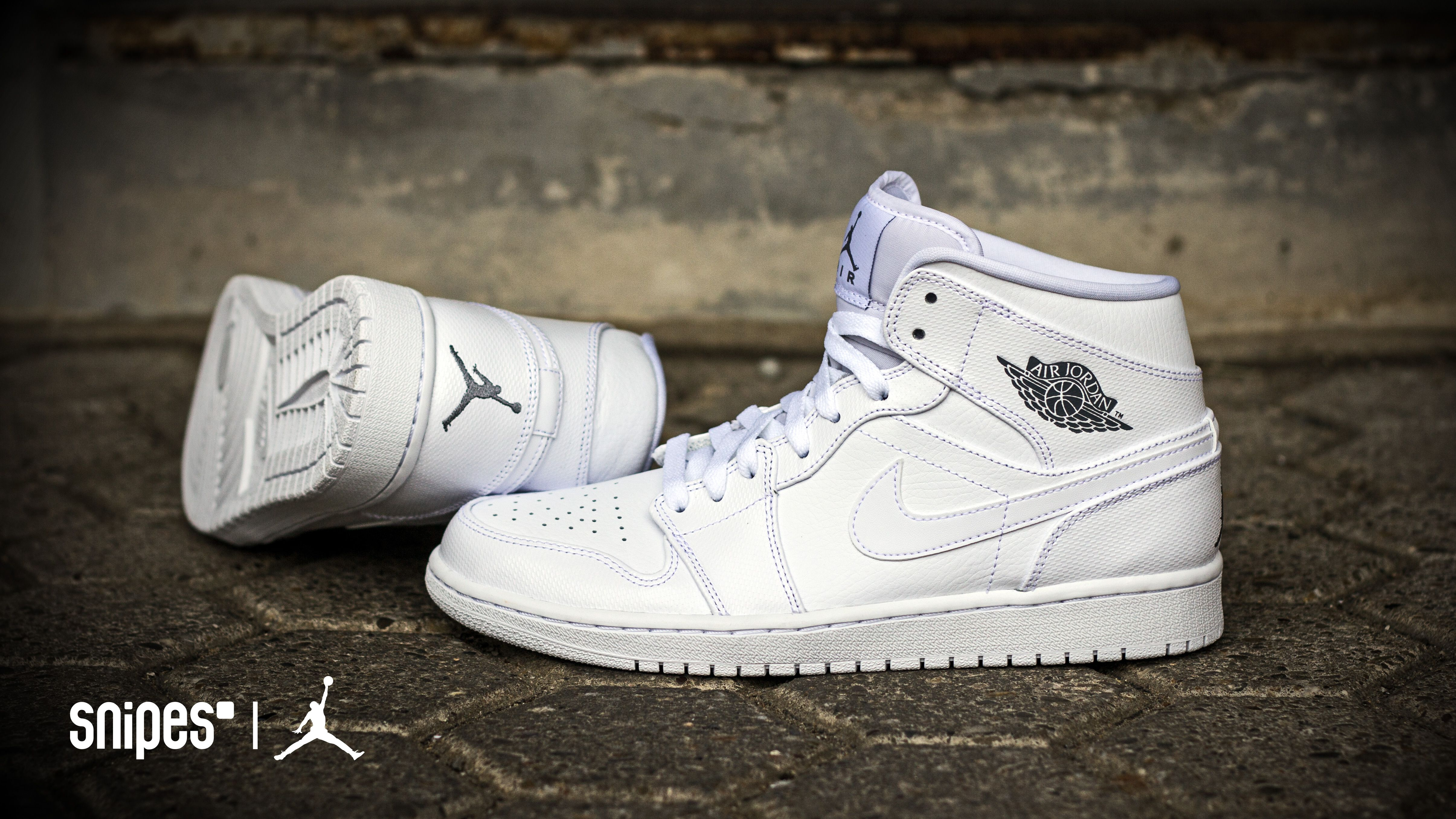 official photos 679a7 f3e47 Basketballschuh Air Jordan 1 Mid white white Artikelnummer  1012243 unter  www.snipes.com jordan