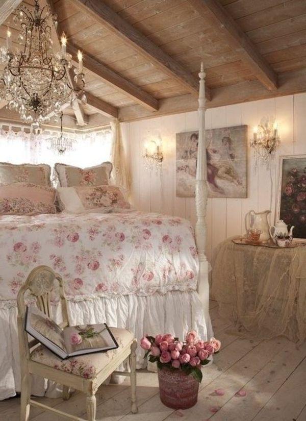 Schlafzimmer Shabby Chic shabby chic schlafzimmer florale elemente leuchter kerzen
