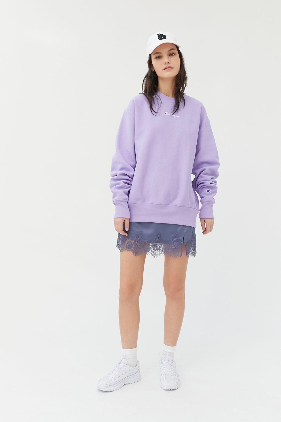 Champion Uo Exclusive Boyfriend Crew Neck Sweatshirt Urban Outfitters [ 1463 x 976 Pixel ]