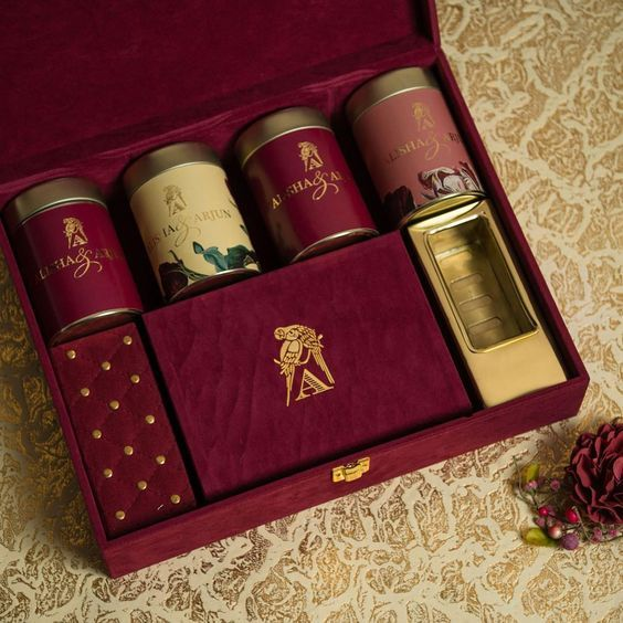 Indian Wedding Gift Ideas: HandPicked Wedding Invitation Card
