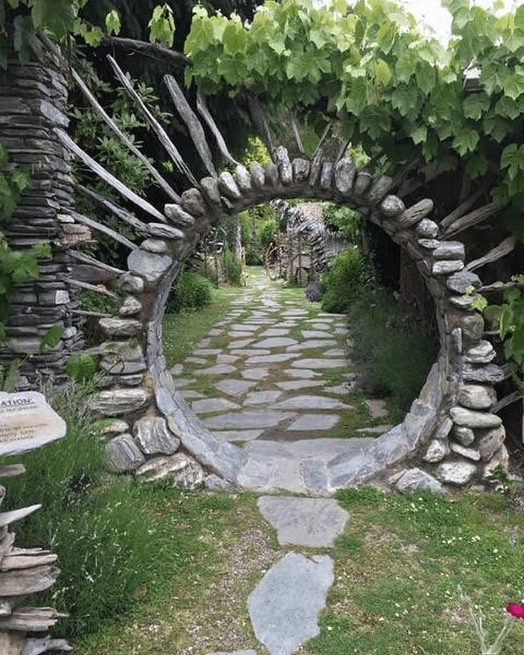 39 Awesome Moon Gate Garden Design Ideas With Images Hobbit