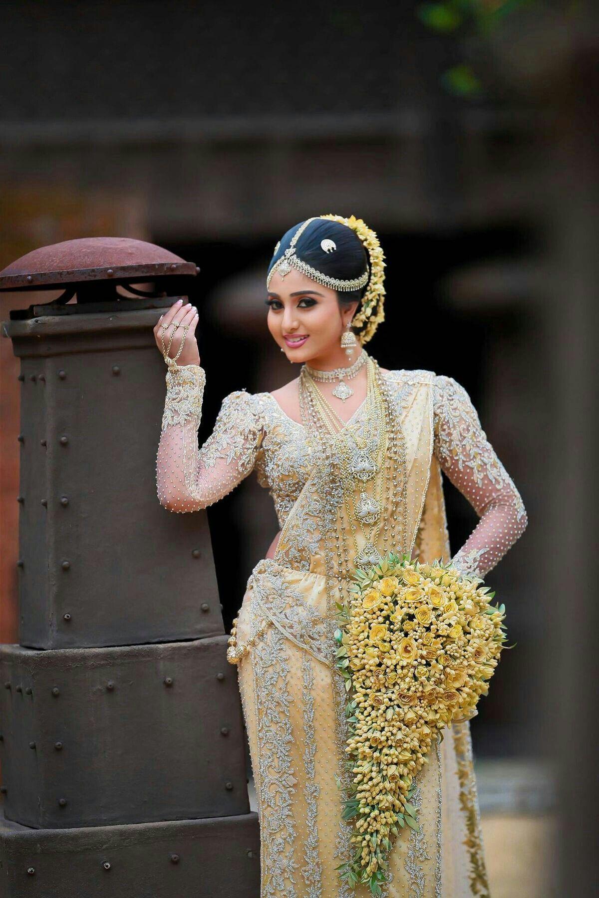 Traditional Sri Lankan bride | Loganadan Ps | Pinterest