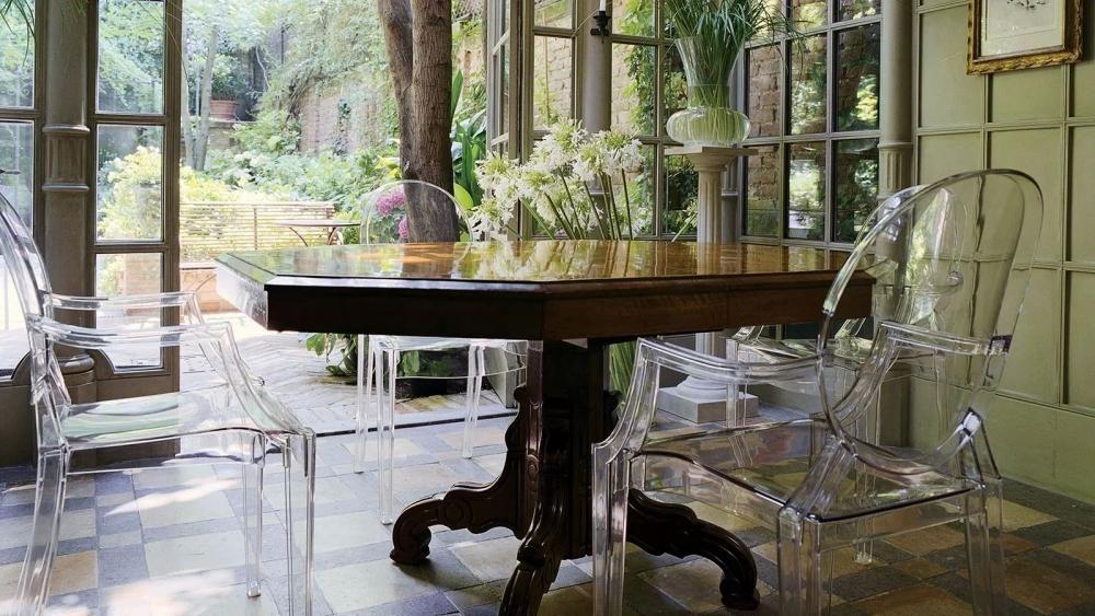 Tavolo E Sedie Trasparenti.Sedie Trasparenti E Tavolo Antico Da Kartell Chair Design