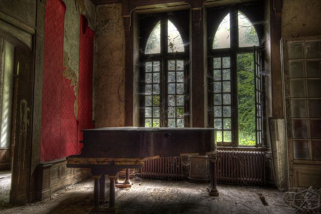 Grand Piano at the French Chateau! by darren500D, via Flickr