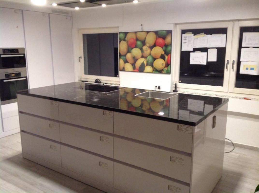 aufma lieferung und montage von der granit arbeitsplatte. Black Bedroom Furniture Sets. Home Design Ideas