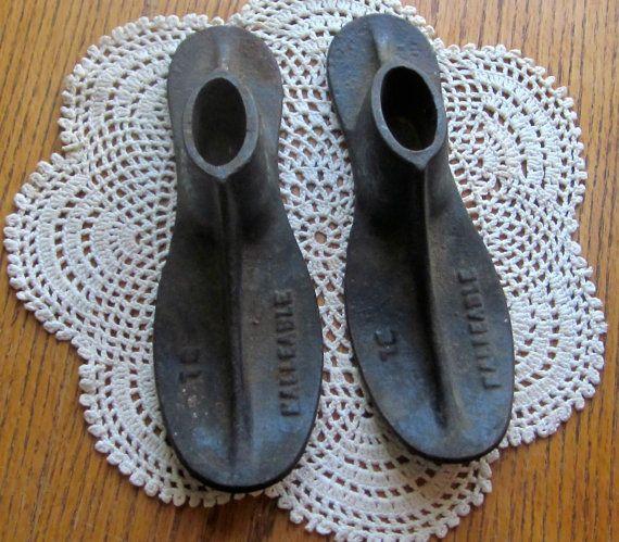 Vintage Pair of Malleable Cast Iron Shoe Cobbler Forms Size