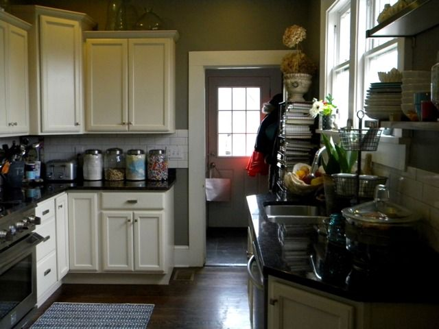 Benjamin moore squirrel tail in kitchen kitchen ideas for Benjamin moore kitchen paint ideas