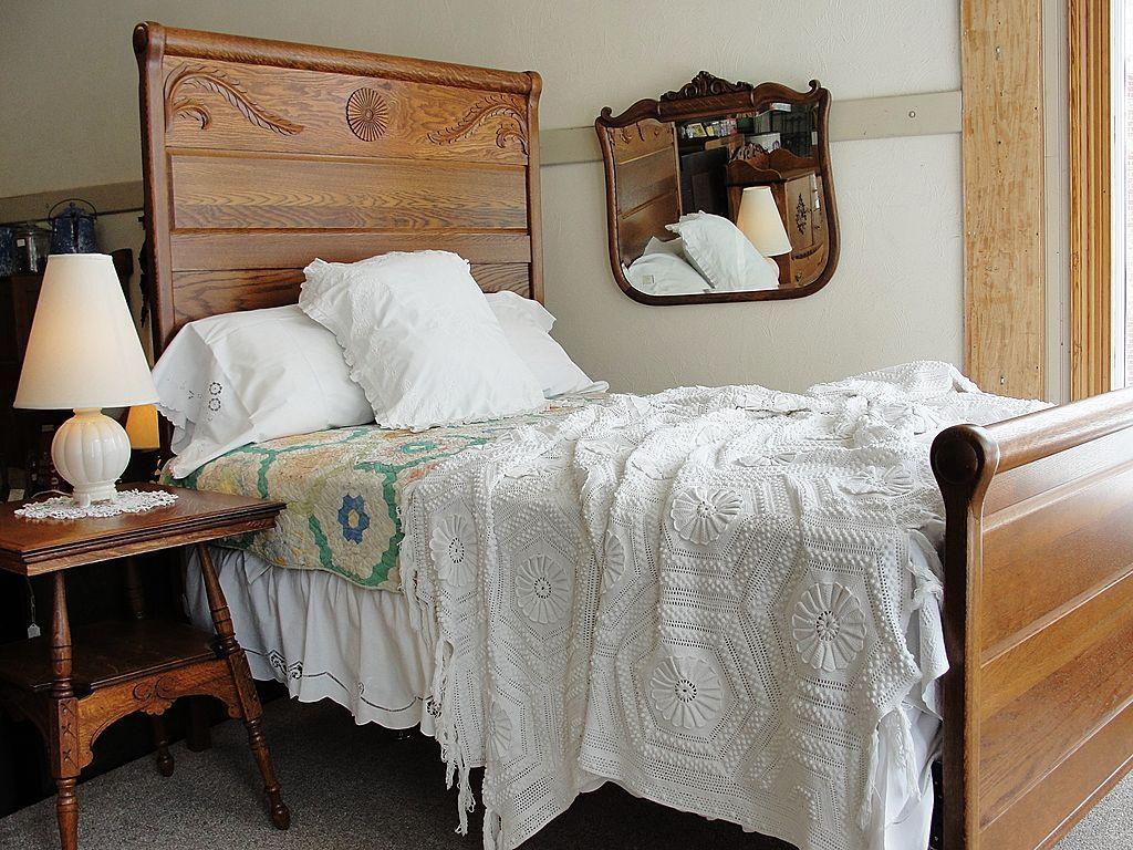 Beautiful Victorian Oak Tall Back Bed Simple headboard