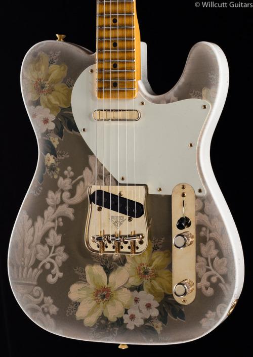 Glorified Guitars - Fender Custom Shop Masterbuilt Retro Paisley...