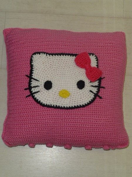 Hello Kitty Crochet Pillow   Crochet   Pinterest   Kissen und Motive