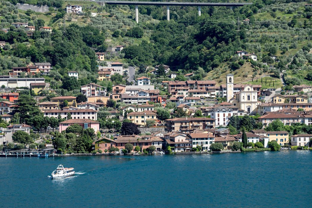 The Town Of Sulzano Lake Iseo Lake Christo And Jeanne Claude