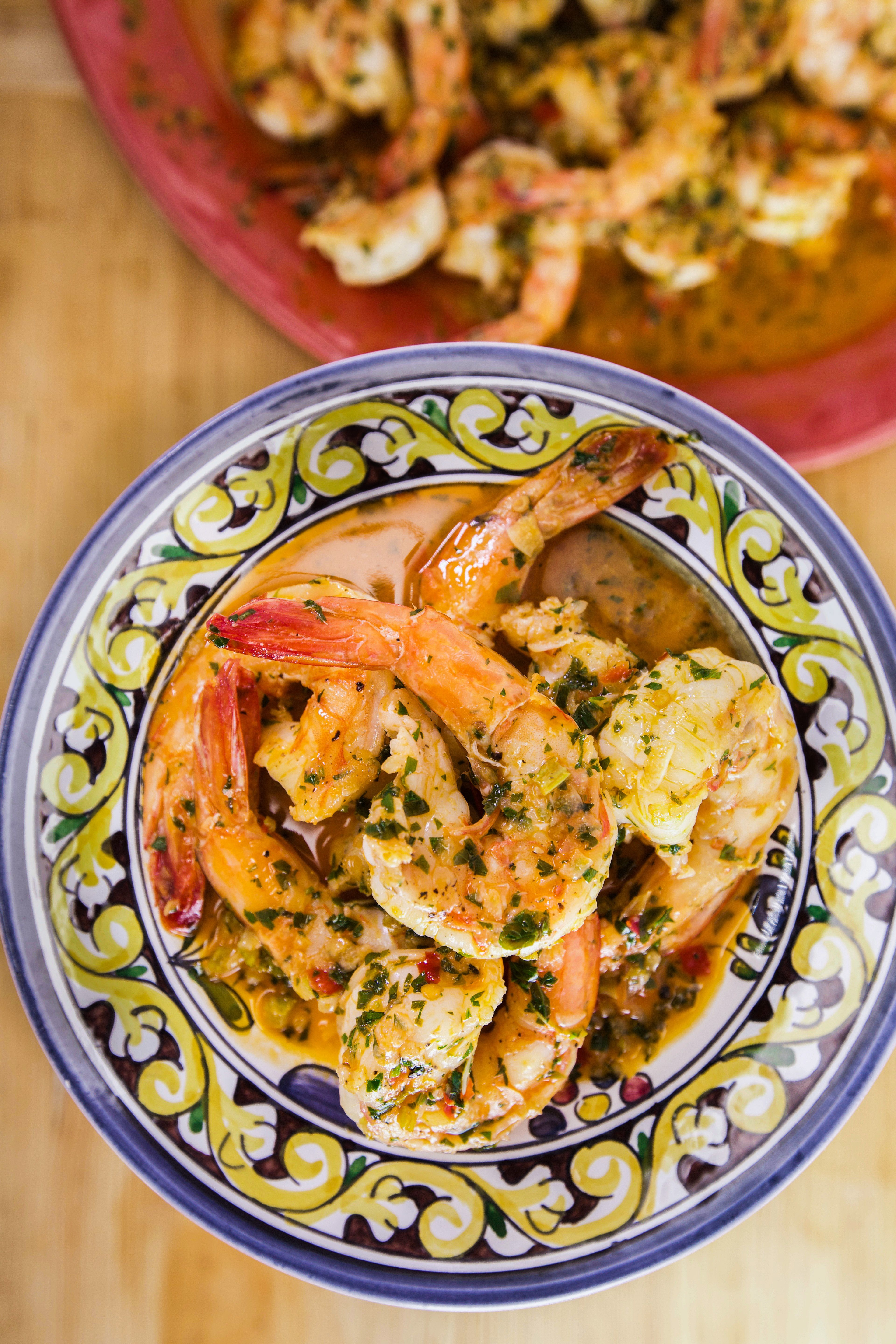 Rachael Ray S Calabrian Style Shrimp Scampi Rachael Ray Recipes Rachel Ray Recipes Rachel Ray 30 Minute Meals
