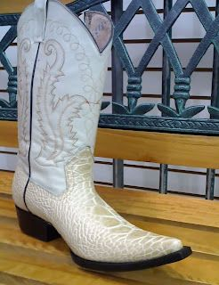876d5f317d8 BOTAS DE CAGUAMA Tall Boots, Shoe Boots, Shoes, Mens Boot, Mens Fashion