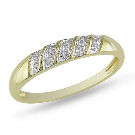 Miabella Men S Diamond Illusion Wedding Band In 10 Kt Yellow Gold Gold 10 5 Diamond Wedding Bands Wedding Bands Diamond
