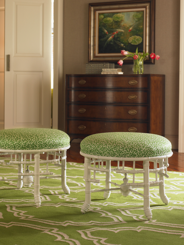 3906 Laurel Round ottoman Round ottoman, Round sofa chair