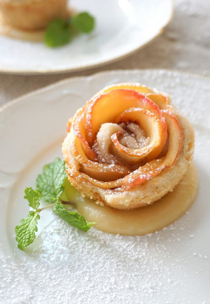 The ever so popular apple blossoms has been the internet (food) craze for the past few years and if you can believe it, I've never actually made them (well