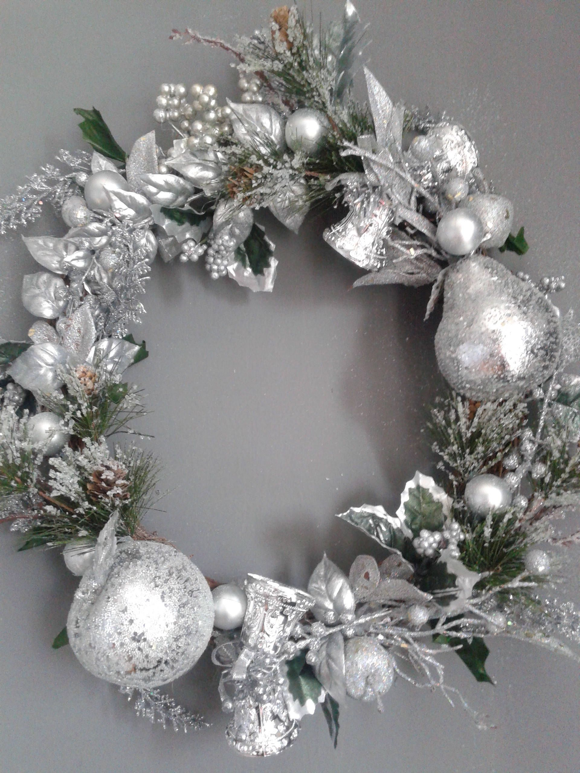 16 Silver Leaves And Fruit Wreath Silver Ornaments Grapevine Wreaths Christmas Wreaths Holiday Wreaths Silver Wreaths Fruit Wreath Grapevine Christmas Silver Wreath