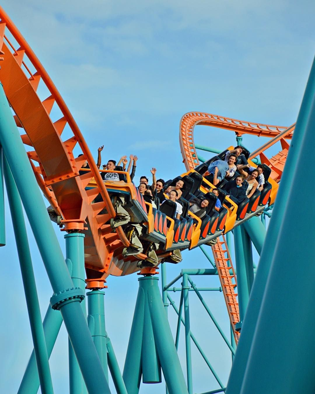 Criticized By Many Goliath At Six Flags Magic Mountain Still Provides An Ultra Smooth And Thrilling Ride Experience Wh In 2020 Roller Coaster Sea World Amusement Park