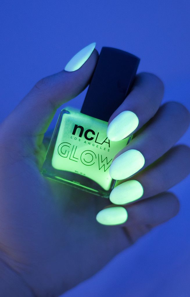 Glow-In-The-Dark | Neón, Diseños de uñas y Moda para chicos