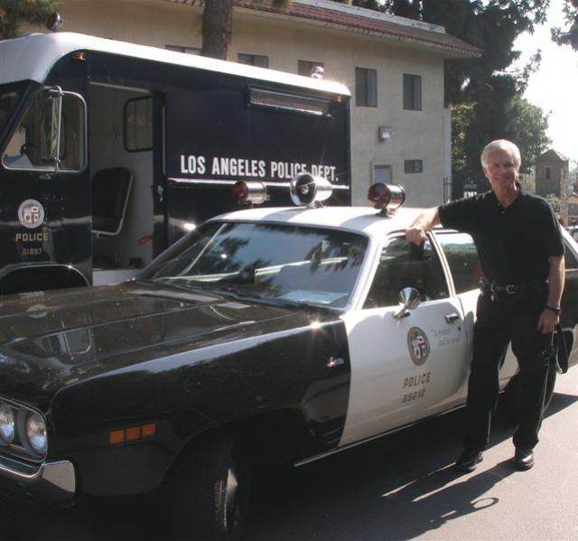 Kent Mccord And The Original 1971 Plymouth Gran Fury From The Tv Show Adam 12 I Was In Heaven Taking This Tv Cars Police Cars Cars Movie