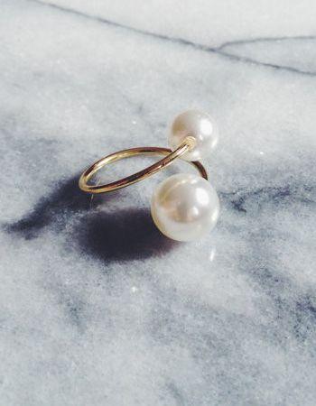 Double Pearl Adjustable Gold Ring | Schmuck, Weihnachtsgeschenke und ...
