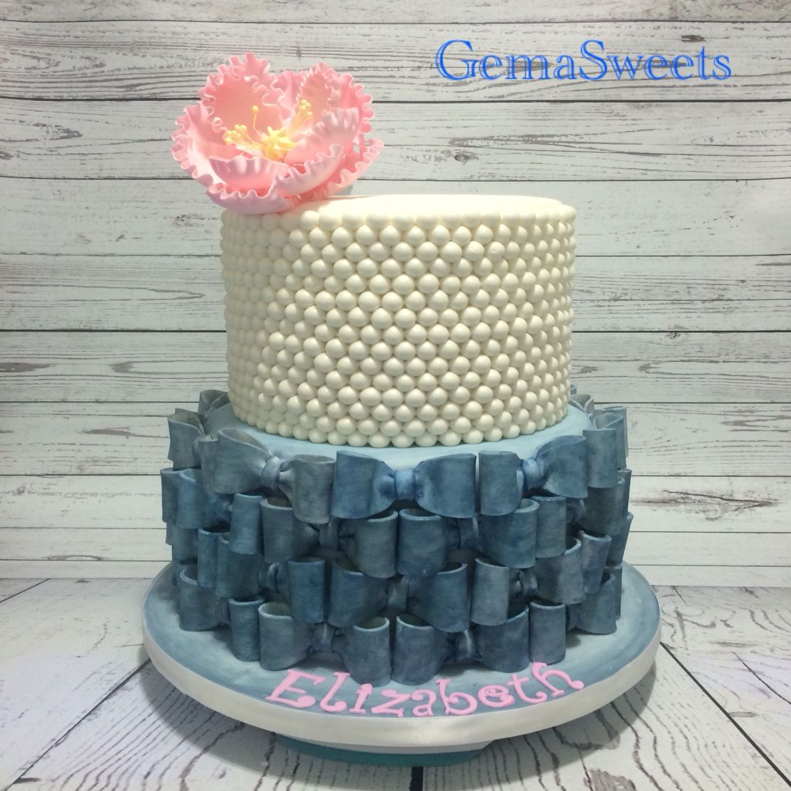Denim and pearls theme baby shower cake by Gema Sweets.