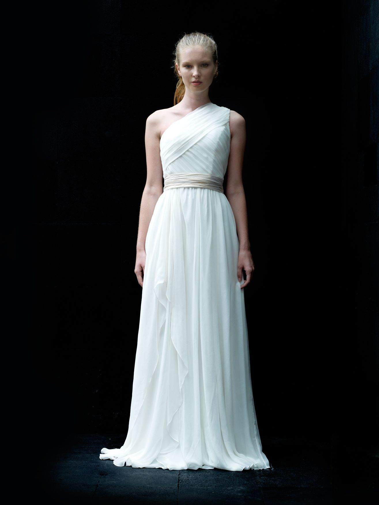 Love, Yu Tanda from The First Dance collection | Love, Yu Gowns ...