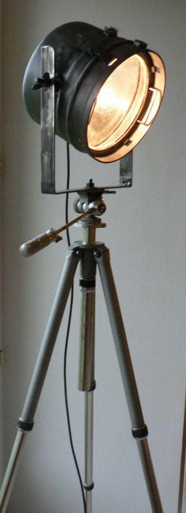 Lampadaire Armee N2 Projecteur Ancien Decape Et Vernis Lampadaire Lamp Lampadaire Trepied