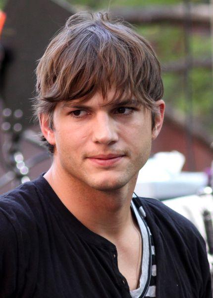 Ashton Kutcher Possible Haircut A Little Shorter Ashton Kutcher Boys Haircuts Mens Messy Hairstyles