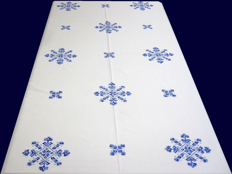 Mantel de lagartera bordado en tela de panam hilo de for Telas para manteles precios