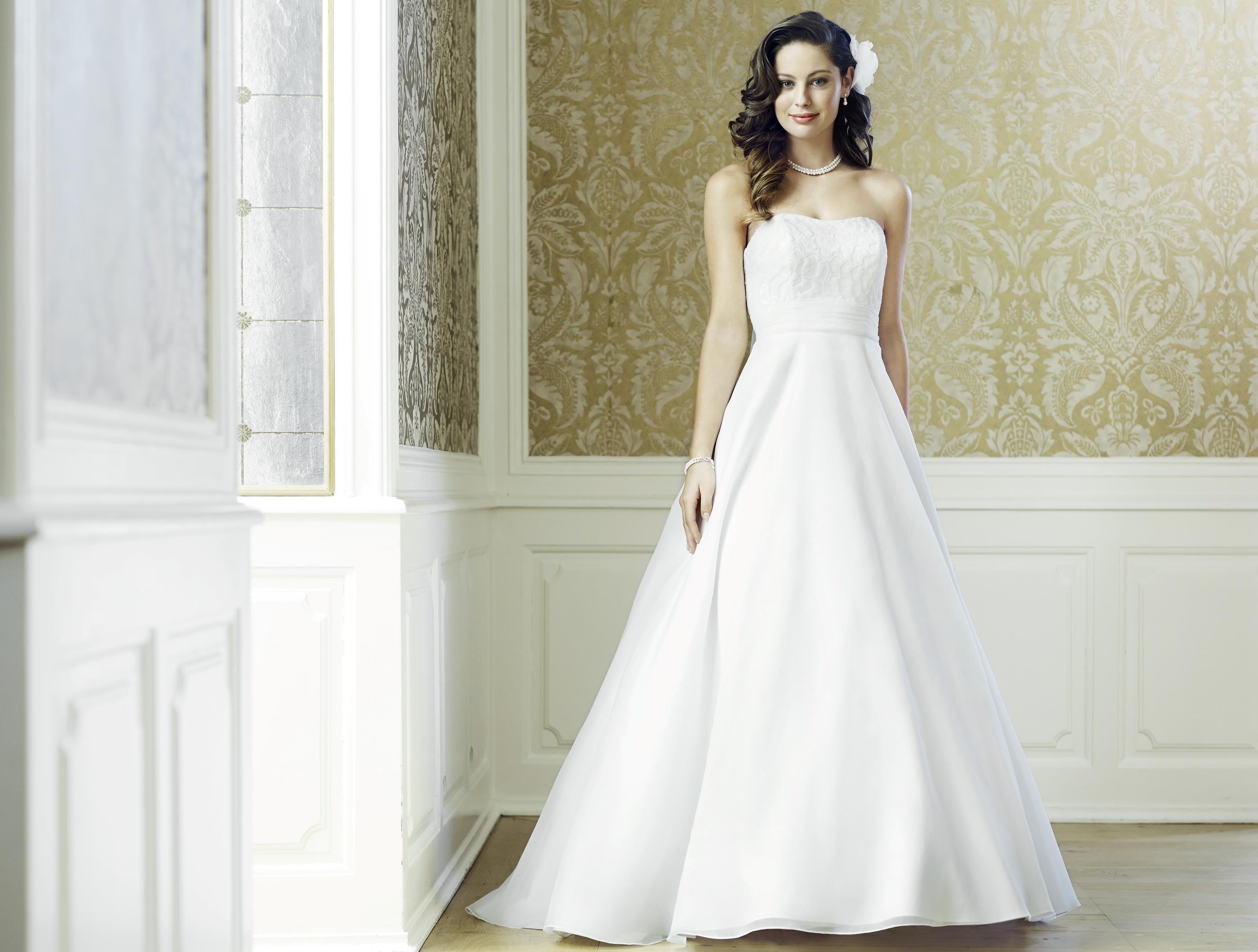 08-3541-CR | Hochzeit Frisur & Kleid | Pinterest | Frisur