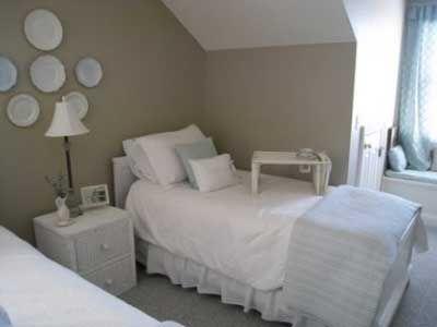 dormitorio cuarto habitacion pintada de marron claro