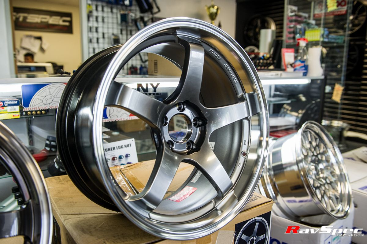 ADVAN Racing GT RavSpec Racing, Alloy wheel