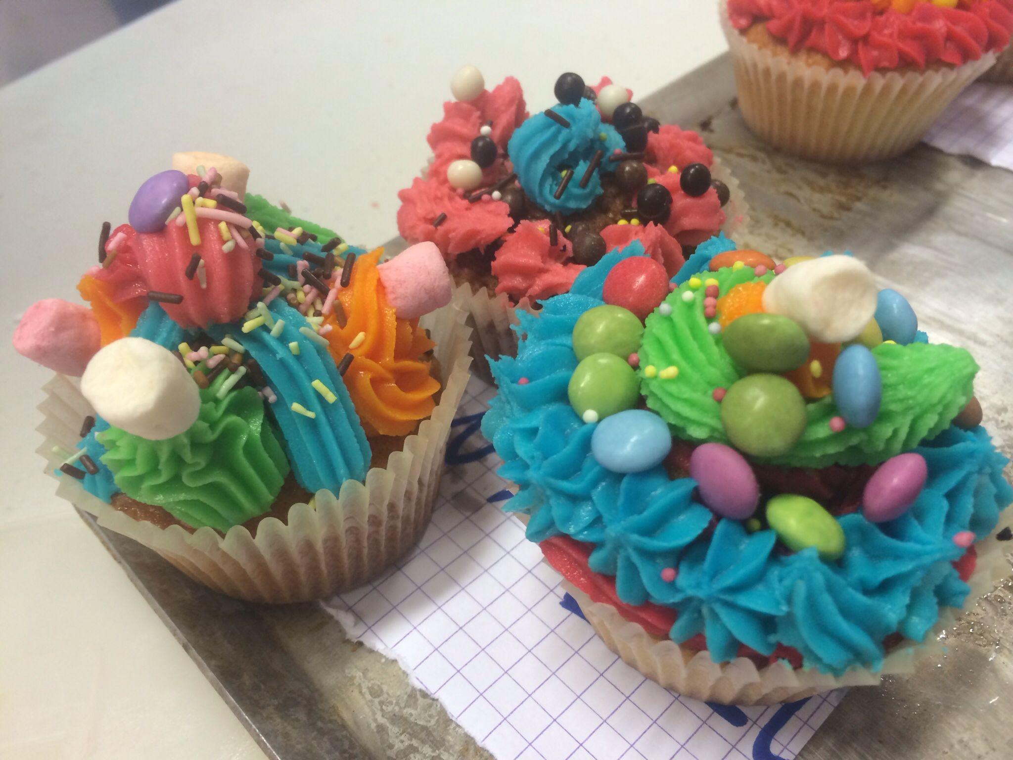 Cours enfant cup cakes cours de cuisine pour enfants - Cours de cuisine enfant ...