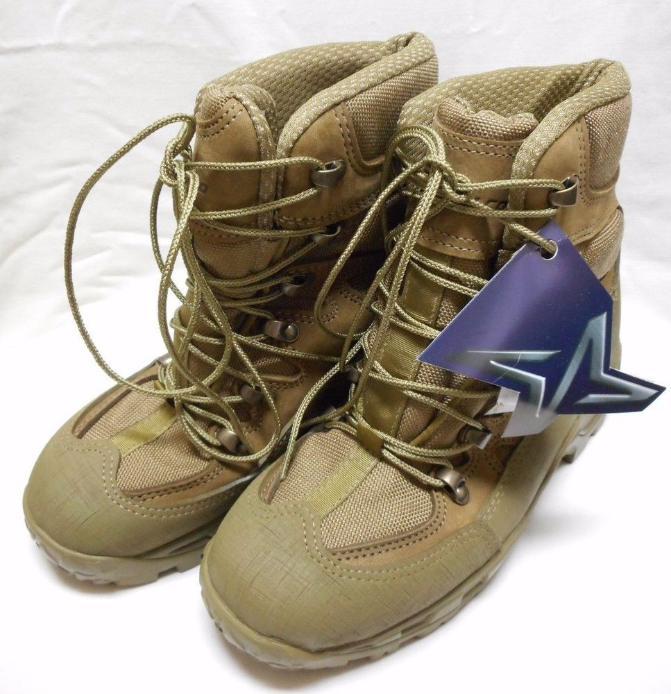 Wellco m760 combat hiker boots, size: 4 w, new with tags