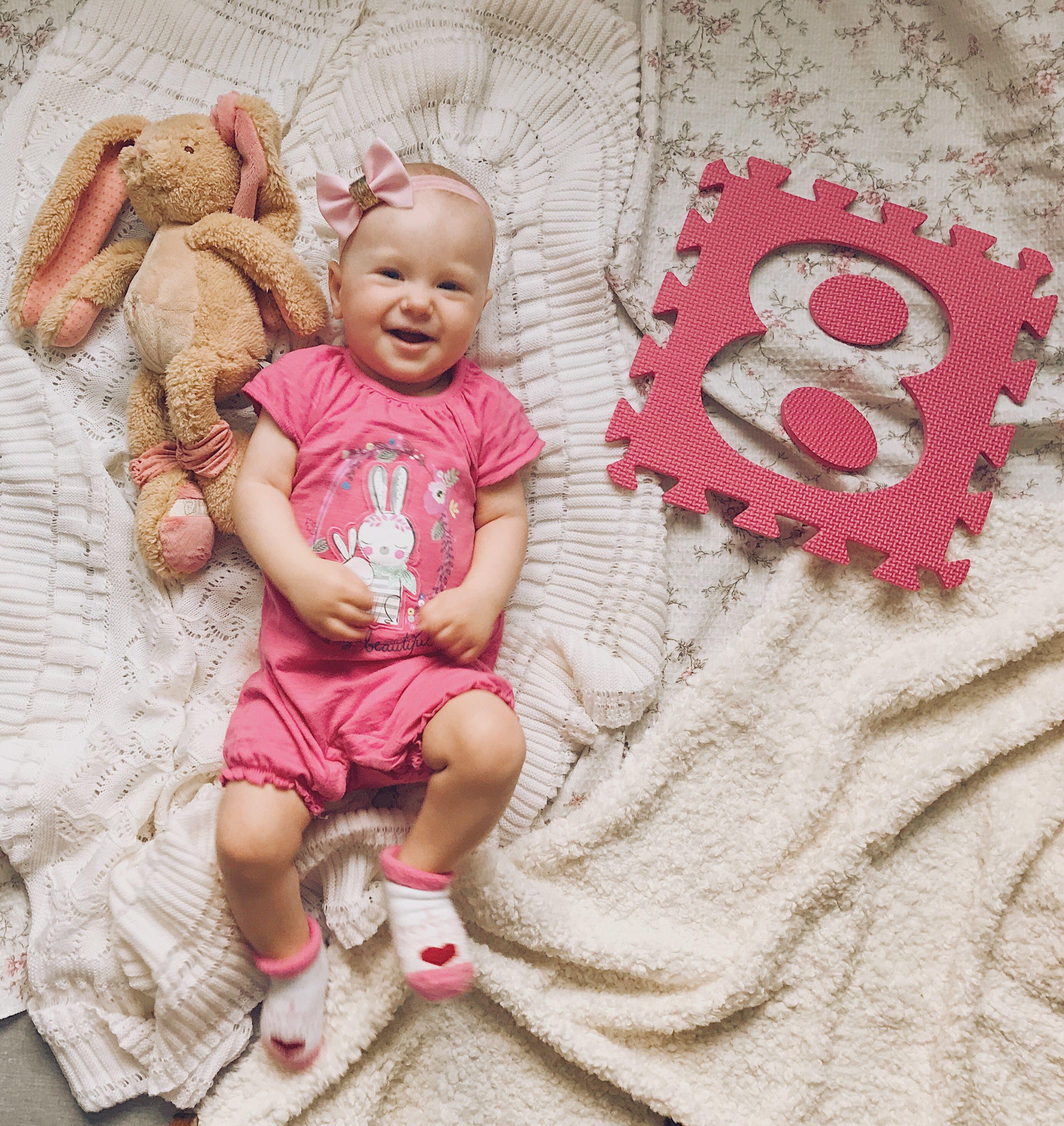 Картинки 8 месяцев девочке с надписями, рабочий девушки
