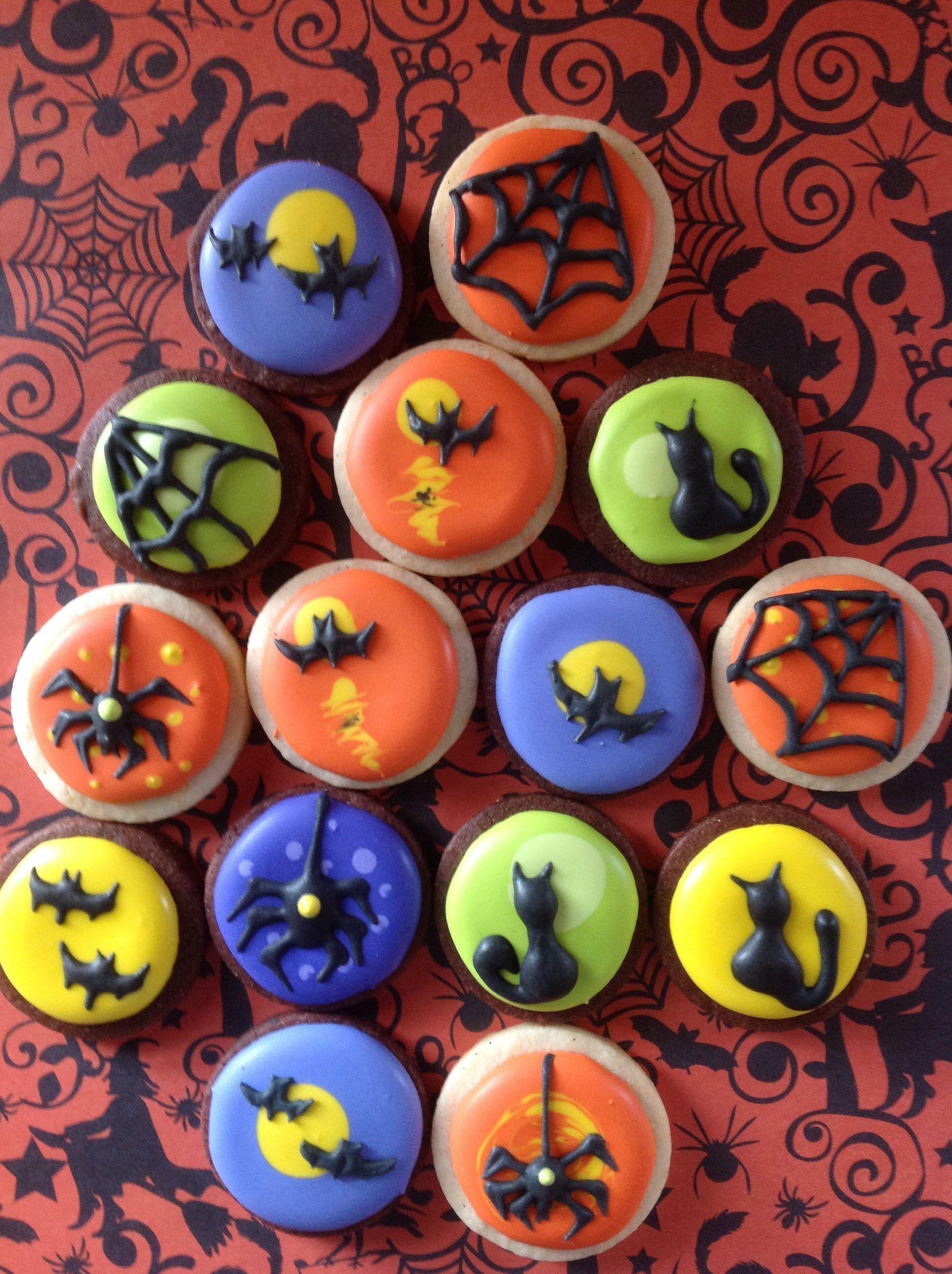 20   Halloween Cookie Decorating Ideas #halloweencookiesdecorated
