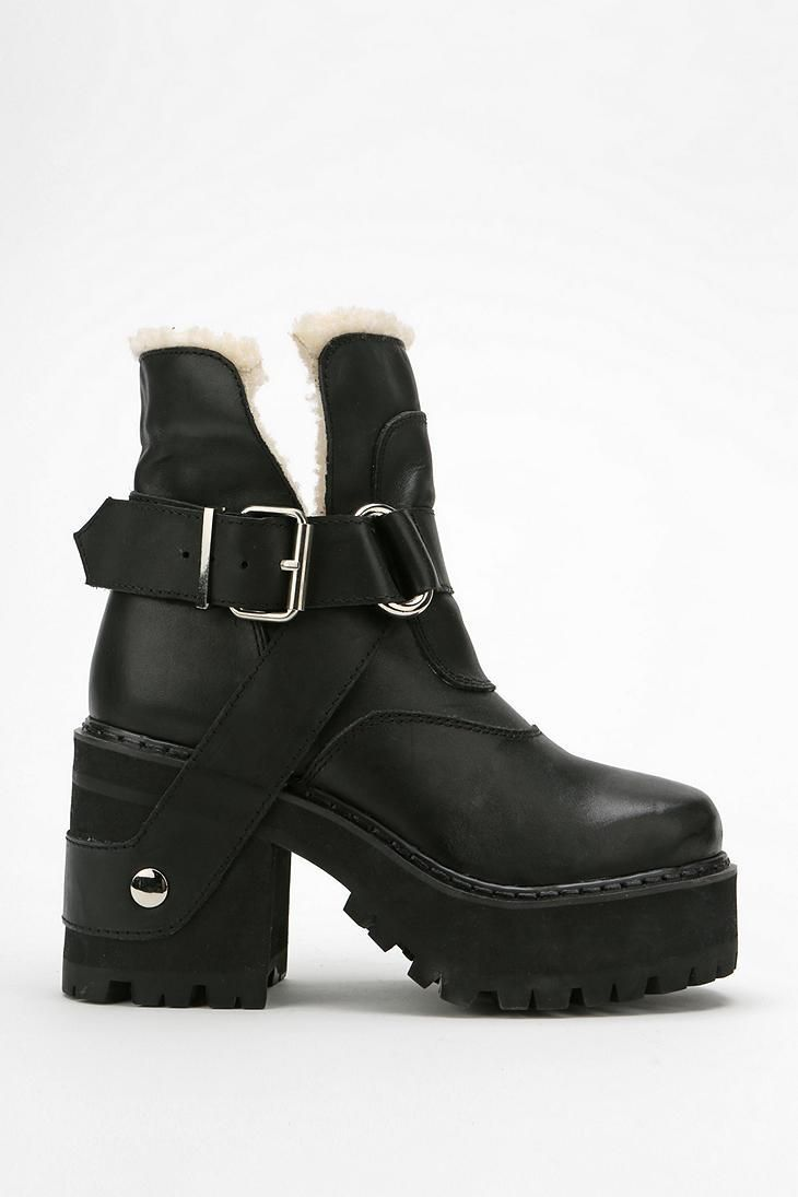 e2d4a092995f UNIF Faux Sherpa Platform Boot  urbanoutfitters. Find this Pin and more on  Shoes ...