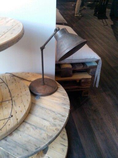 Il fanale lampada da tavolo in ferro