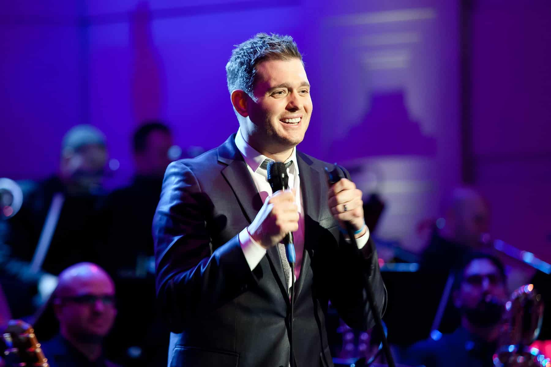 VIDEO+Michael+Buble++Nobody+But+me++Album+Review+and