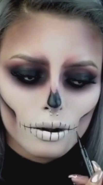Halloween Makeup Tutorial Simple And Easy To Do Creepy But Absolutely Stunning Follow In 2020 Halloween Makeup Easy Halloween Makeup Pretty Halloween Makeup Looks