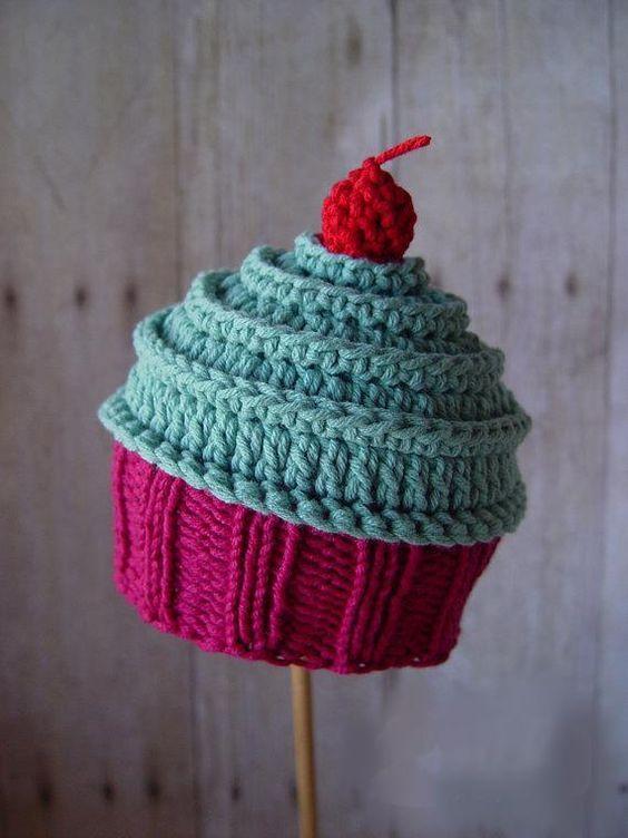 Crochet Cupcake Hat   Crochet cupcake, Crochet cupcake hat ...